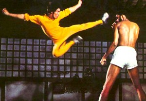 bruce-lee-kareem-flying-kick-dragon