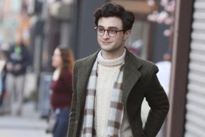 Daniel+Radcliffe+pictured+filming+a+scene+on+the+set+of+the+-Kill+your+Darlings-