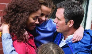 Mark Ruffalo with Zoe Saldana, Ashley Aufderheide and Imogene Wolodarsky in Infinitely Polar Bear.
