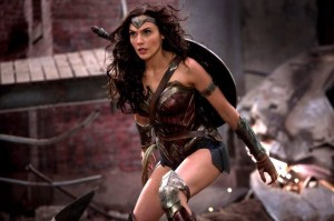 wonder-woman-gal-gadot-ultimate-edition-1024x681